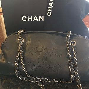 💯 AUTHENTIC CHANEL Shoulder bag (limited edition)
